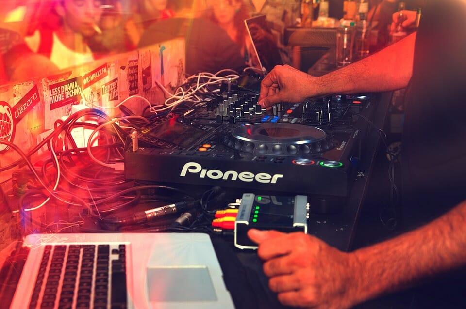 DJ using Pioneer Controller